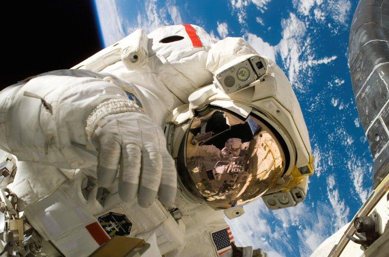 sky-earth-space-working-pixabay.com-pexels.com